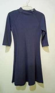 UNIQLO 「全新」顯瘦洋裝