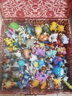 Pokemon Figurines Box
