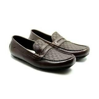 Sepatu pria casual slip-on loafers santai