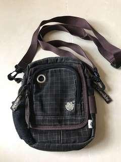 Laosmiddle handbag 斜咩袋 /  手袋