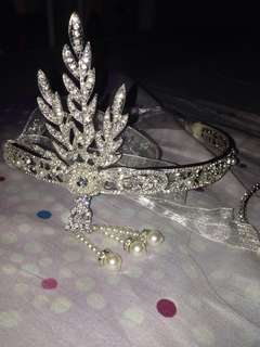 Metal Feather Crown (with free choker necklace silver)