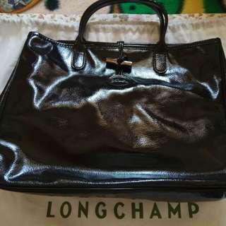 LONGCHAMP漆皮大手挽袋