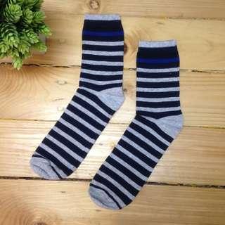 Kaos kaki motif