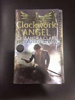 English Book (Clockwork Angel)