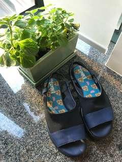 Camper comfy sandals