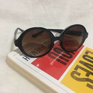 Sunnies from US