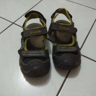 Sepatu sandal crocodile size 35