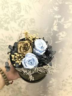 """3 Preserved Rose box bouquet • """"I love you"""" •"""