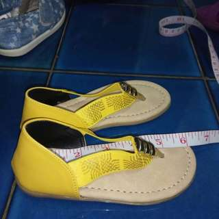 Girl Shoe / Footwear