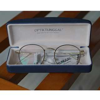 Kacamata (-1.25) lensa bisa ganti sendiri. - Jual murah