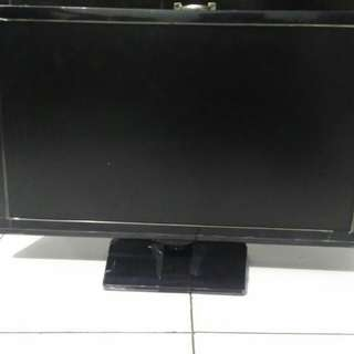 Samsung 22 inch. No box. Tv+remote