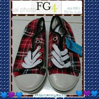 Shoes FG4 - (11USC/28 Eu/18.5cm/ fitted for 4yo)