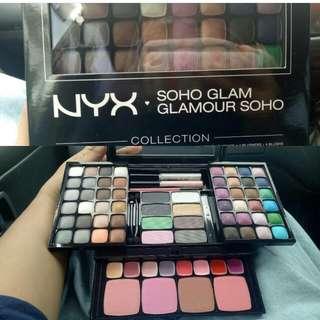 Nyx pallete eyeshadow and blush on
