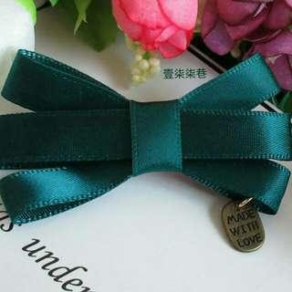 🚚 【壹柒柒巷】髮夾 流行飾品 韓國髮飾 綠色蝴蝶髮夾 劉海夾 邊夾 魚嘴夾 頭飾品