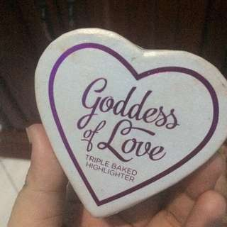 Makeup Revolution I Heart Makeup Blushing Hearts - Goddess of Faith Highlighter