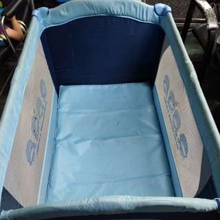 酷酷鴨嬰兒床+遊戲床