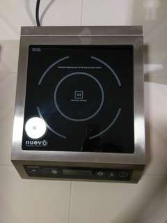 (MOVING OUT SALE) Countertop Induction Cooker