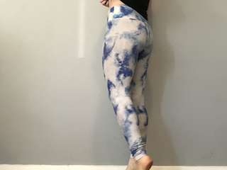 Blue and white leggings activewear