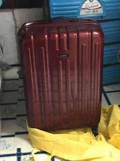 Samsonite luggage (medium)