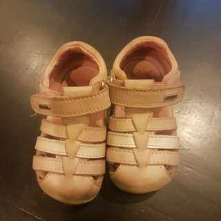 BOBUX Baby Girls shoes. Size 19.