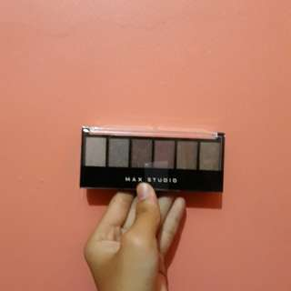 Max Studio's Eyeshadow
