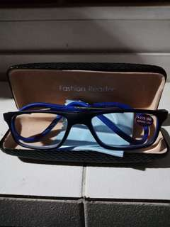 Folding Magnetic Reading Glasses Black and Blue