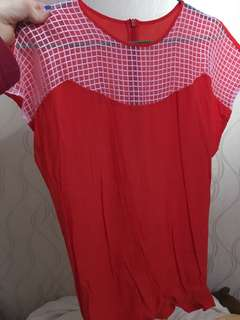 Aalis紅色透視上衣