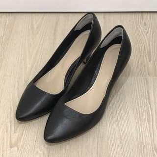 Vanilla Suite 黑色羊皮2吋高踭鞋 37號