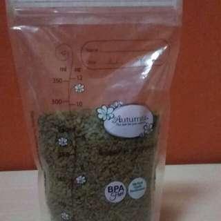 Fenugreek seeds. 9oz. $0.50 per Oz