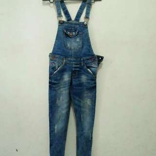 Overoll jeans
