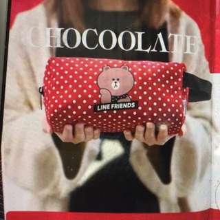 全新 u magazine :Chocoolate x line friends brown 熊大紅色波點利是袋可作化妝袋雜物袋