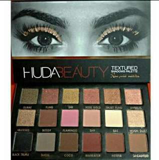 Huda Beauty 18 Colors Rose Gold Edition