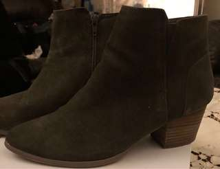 Khaki ALDO ankle boots, real suede, like new - size 10