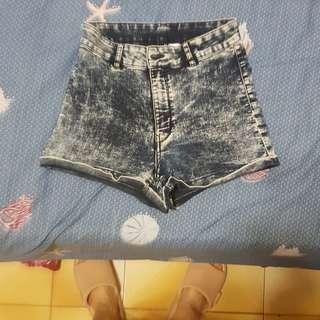 🚚 H&M高腰短褲