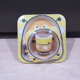 Kid's tableware @ Bee collection