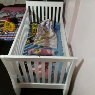 Wooden Crib with Uratex Foam