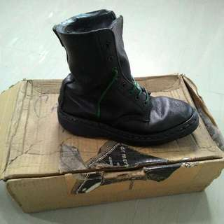 Vintage Dr Martens candle original accecories