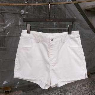 L號全新免運 PAZZO 副牌 MEIERQ 雙口袋百搭開岔短褲 白褲 高腰短褲 修身 顯瘦 開衩 日常穿搭 微性感