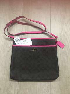 Coach bag - Brand New Authentic Coach F58297 File Bag in Signature (Bright pink lining)