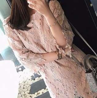 🚚 粉色蕾絲洋裝