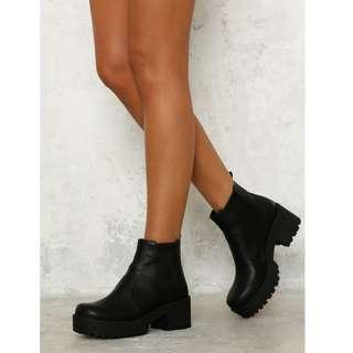 Lipstik Black Eamon Ankle Boots Size 7