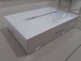 Original Apple Macbook Air 128GB - Sealed