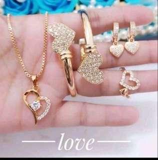 Perhiasan set lapis emas 24k .
