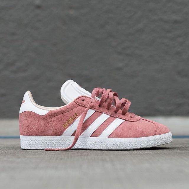 new arrival 954a6 da148 REDUCED PRICE TO CLEAR) Authentic Pink Adidas Gazelle, Women s ...