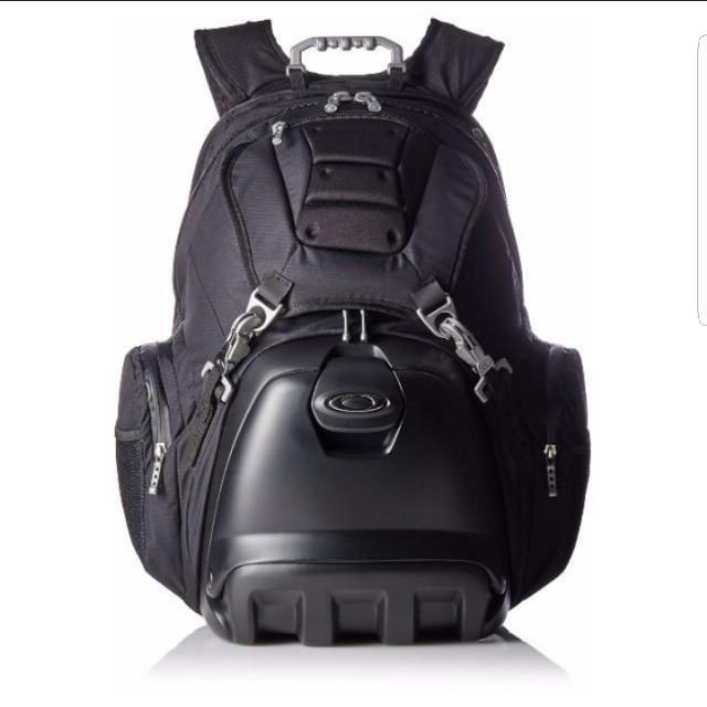 6f1aec0a8e5 Oakley Lunchbox Backpack
