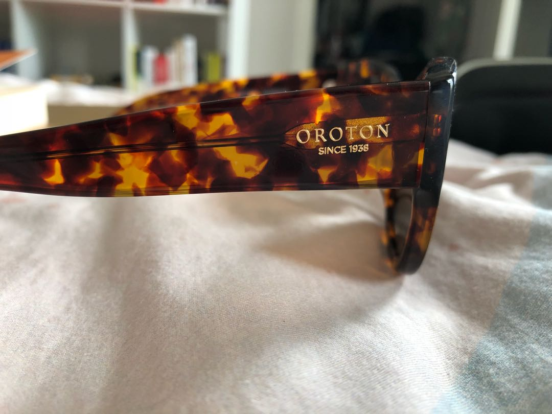 Oroton cat eye sunglasses