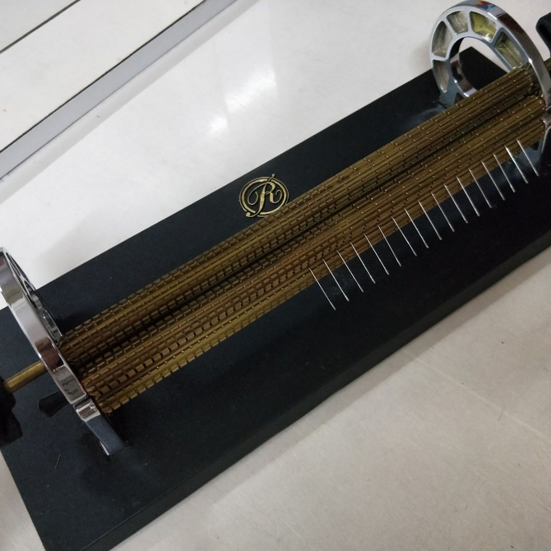 Read Pleaters - 24-Row Smocking Pleating Machines