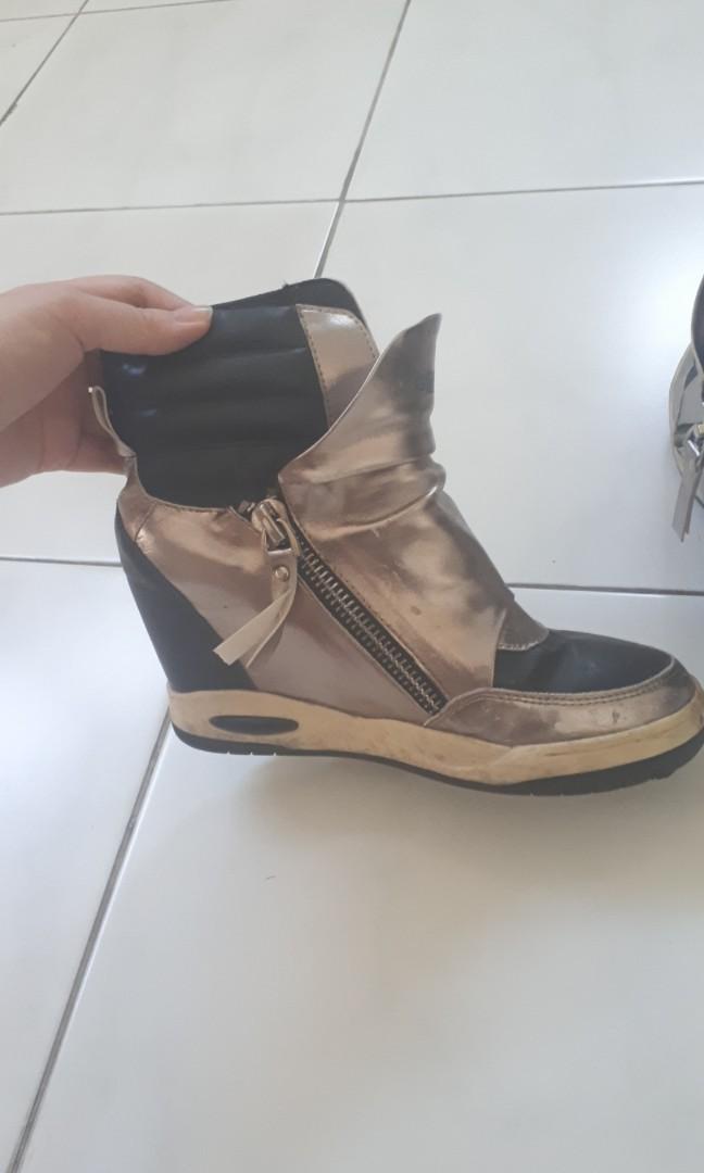Sepatu gosh boots wedges 5762e699c7
