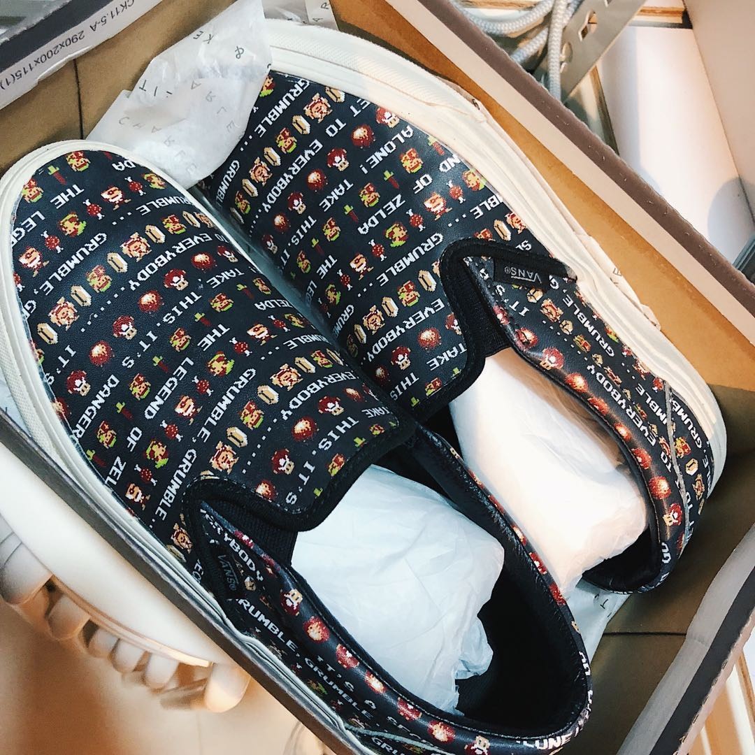 vans nintendo classic slip-on shoes