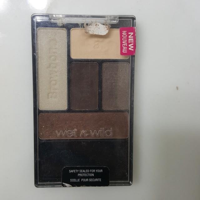 Wet n wild eyeshadow palette